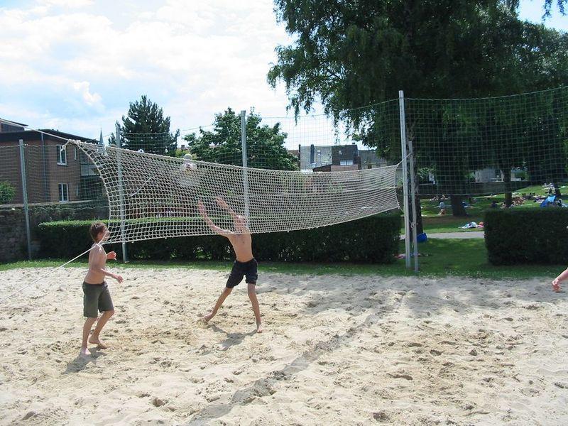 Beachvolleyball Freibad